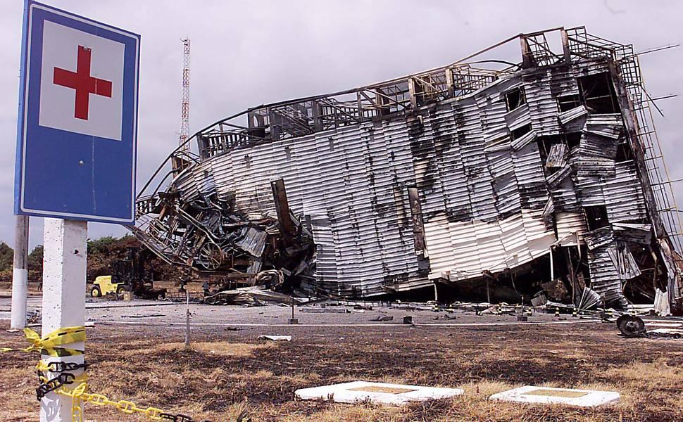 Explosão no centro de lançamento de alcântara mata 21 cientistas brasileiros.