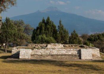 Praças públicas foram espalhadas por todos os bairros da república de Tlaxcala. Alguns tinham templos modestos como esse. © Adam Wiseman