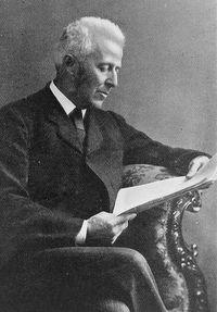 Os poderes de dedução do cirurgião Joseph Bell provaram-se uma inspiração para Arthur Conan Doyle no personagem Sherlock Holmes.