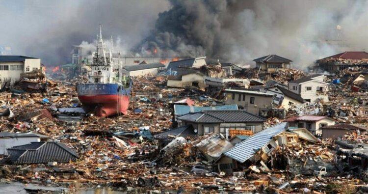 Terremoto seguido de tsunami. Japão, 2011.