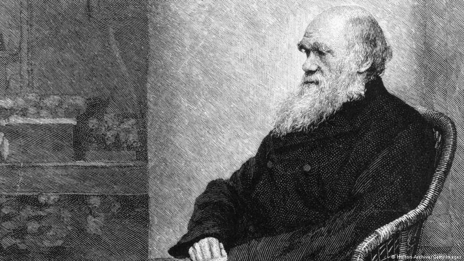 """Charles Darwin, retrato de 1880: passagem pelo Brasil motivou a pergunta 'de onde vem a diversidade?'"""" Fonte: Deutsche Welle Brasil"""
