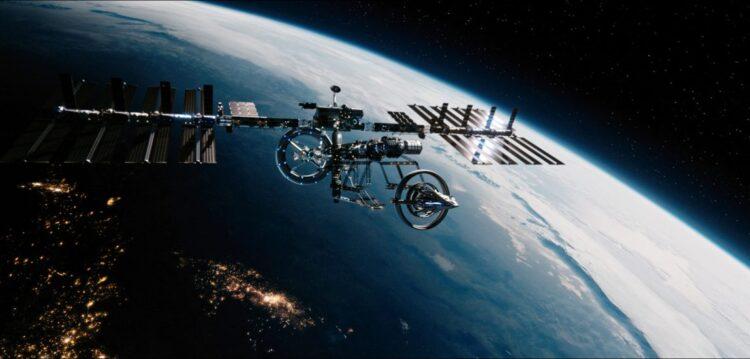 FTL (FTL, Adam Stern, 2017) é o título de um curta-metragem de ficção científica sobre a primeira nave construída pelo ser humano capaz de atingir a velocidade da luz .