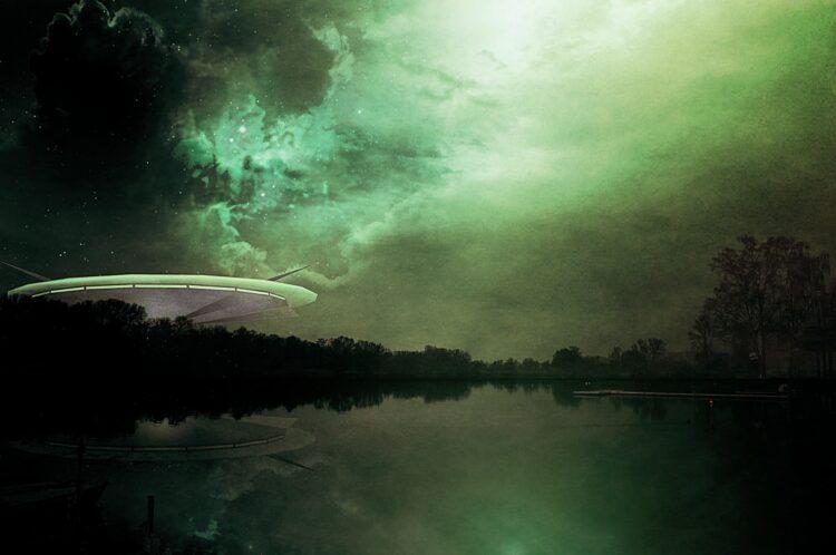 Pixabay - Science Fiction Alien Futuristic Ufo Cover (Creative Commons CC0)