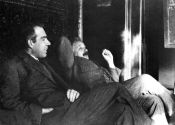 Niels Bohr (esquerda) com Albert Einstein no final dos anos de 1920, quando a mecânica quântica estava em sua infância. Crédito: Emilio Segre Arquivos Visuais / AIP / SPL