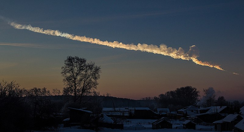 Imagem da bola de fogo de Chelyabinsk registrada a cerca de 200k do evento, em 15 de fevereiro de 2013. Crédito: Flikr/Alex Alishevskikh