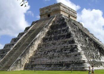 Chichén Itzá, uma cidade de pedra na península de Yucatán no México, construída pela civilização Maia por volta de 750 depois de Cristo.