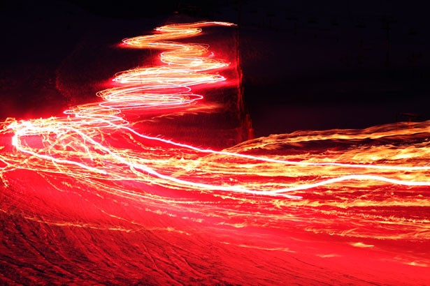 Pesquisadores desenvolvem uma maneira de controlar a velocidade da luz, e enviá-la para trás
