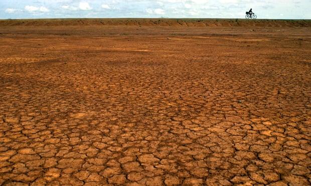 O deserto de Sarigua, a oeste da Cidade do Panamá, Panamá, visto após o pasto do gado e a perda do solo superficial devido à erosão. Foto: Tomas Munita / AP
