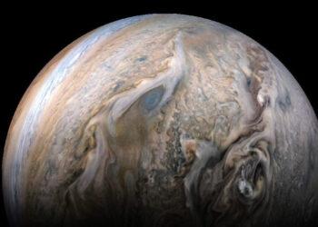 Júpiter, mostrado em uma imagem da nave espacial Juno da NASA, tem 79 luas. Cinco recém-descobertas agora têm nomes oficiais. (JPL-CALTECH / NASA, SWRI, MSSS, KEVIN M. GILL)