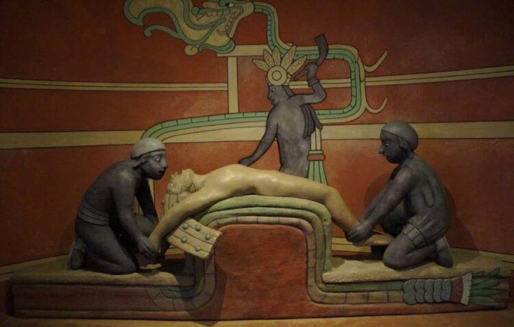 Sacrifício maia.  (Efraimstochter / Domínio Público.)