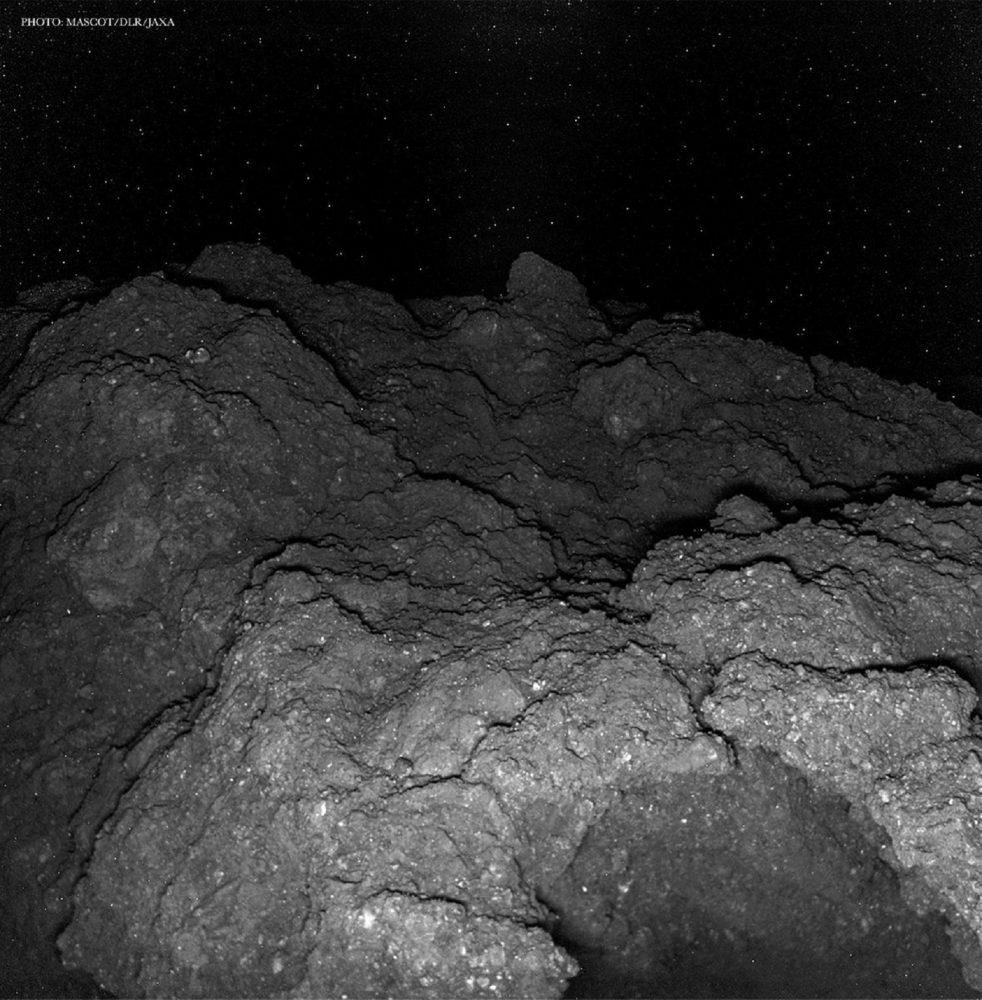 https://socientifica.com.br/wp-content/uploads/2019/08/Surface-of-Asteroid-Ryugu-4.jpg