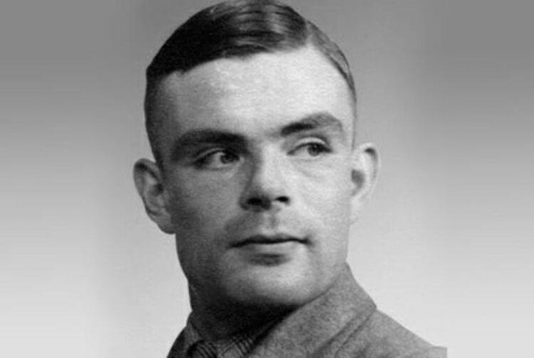 Imagem: Alan Turing, matemático do século XX que foi punido pelo Reino Unido por sua homossexualidade, mesmo tendo sido peça fundamental para a derrota do nazismo na Segunda Guerra.