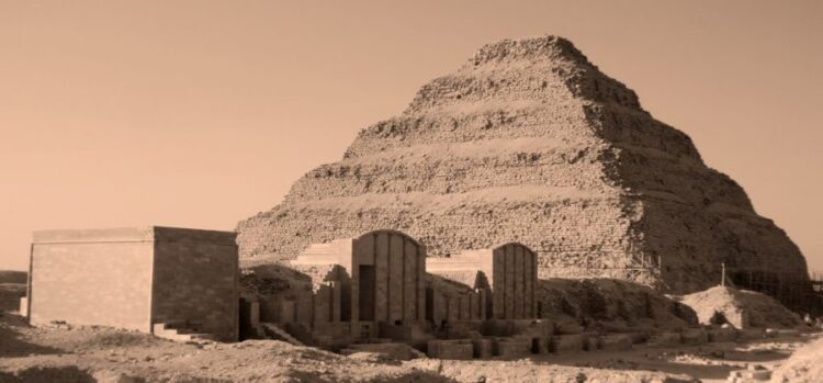 Piramide de degraus, a mais antiga do Egito antigo.