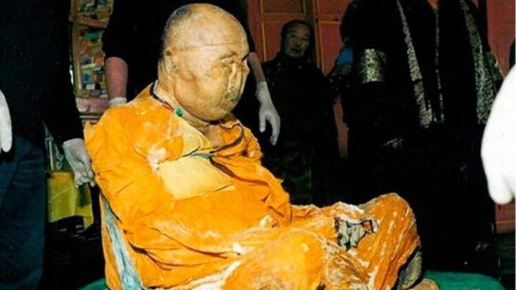 Múmia budista