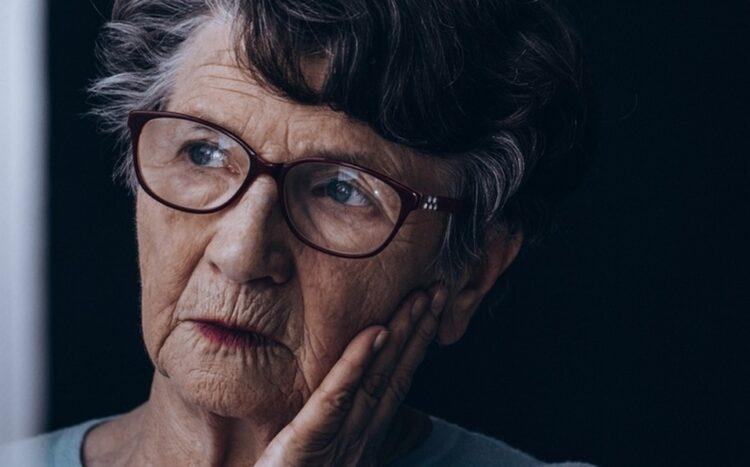 Um estudo realizado por psicólogos da York University fornece novas evidências de que o bilinguismo pode retardar os sintomas do Alzheimer