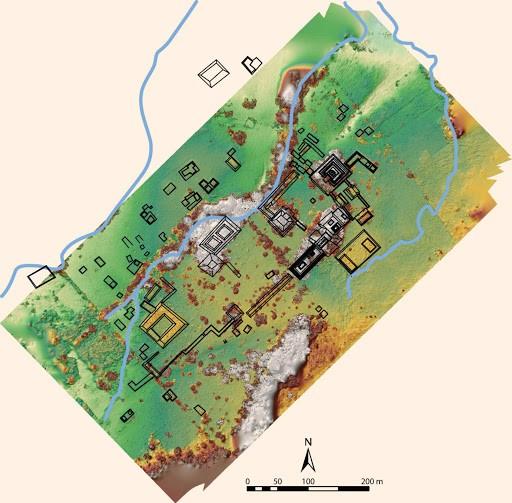 Um mapa de grupos arquitetônicos e canais de fluxo em do recém descoberto antigo reino Maia, sobre DEM fotogramétrico (feito com DJI Phantom 4 Pro e AgiSoft Metashape v. 1.5.1; por C. Golden e AK Scherer).