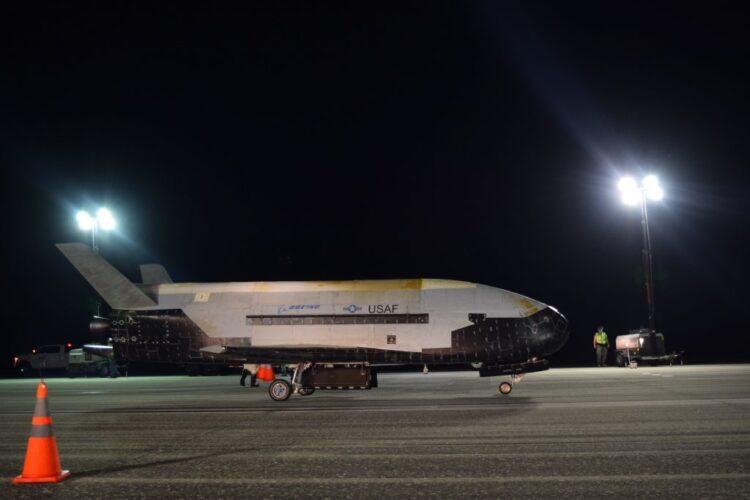 X-37B. (Imagem:  Jeremy Webster)