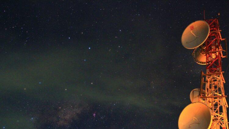 planetas, estrelas e satélites