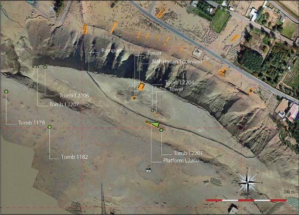 Imagem de satélite mostrando as estruturas (Créditos da imagem: Missão Arquitetônica de Dûmat al-Handal / Antiquity Publications Ltd).