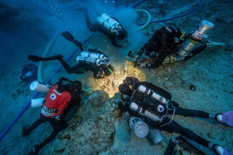 Navio romano naufragado próximo à Grécia. (Créditos da imagem: Brett Seymour / EUA / WHOI / ARGO).