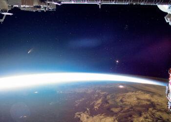 Cometa NEOWISE visto da ISS NASA