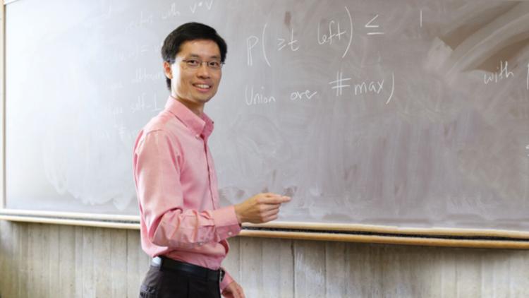 O professor Po-Shen Loh. (Créditos da imagem: Reprodução)
