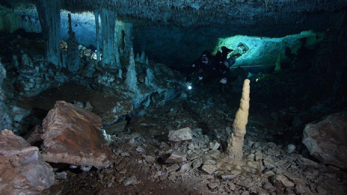 caverna submersa no México