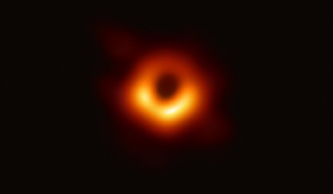 se você caísse em um buraco negro