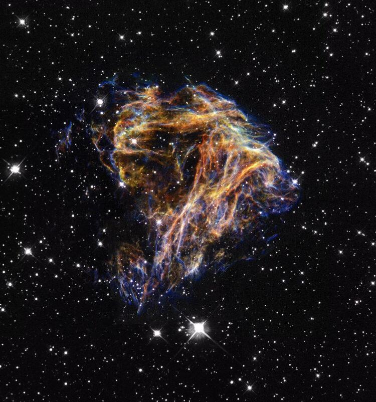 Remanescentes da supernova N 49. (Créditos da imagem: NASA / ESA).