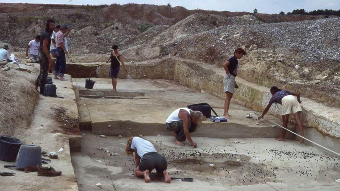 Escavação de ferramentas da pré-história