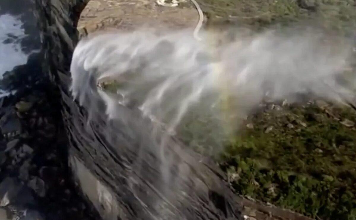 cachoeiras reversas
