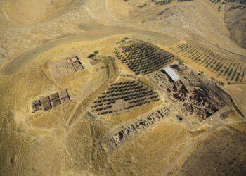 Uma vista aérea da região. (Créditos da imagem: Erhan Kücuk/German Archaeological Institute)