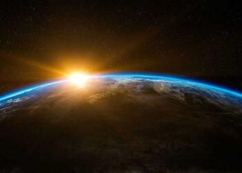 sol nascendo terra