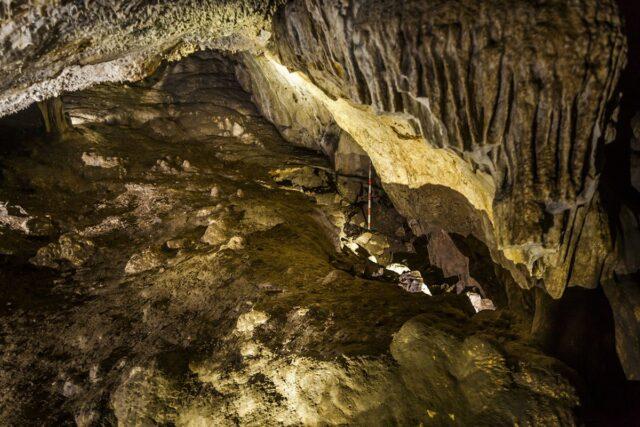 Sacrifício humano na Caverna Dehesilla