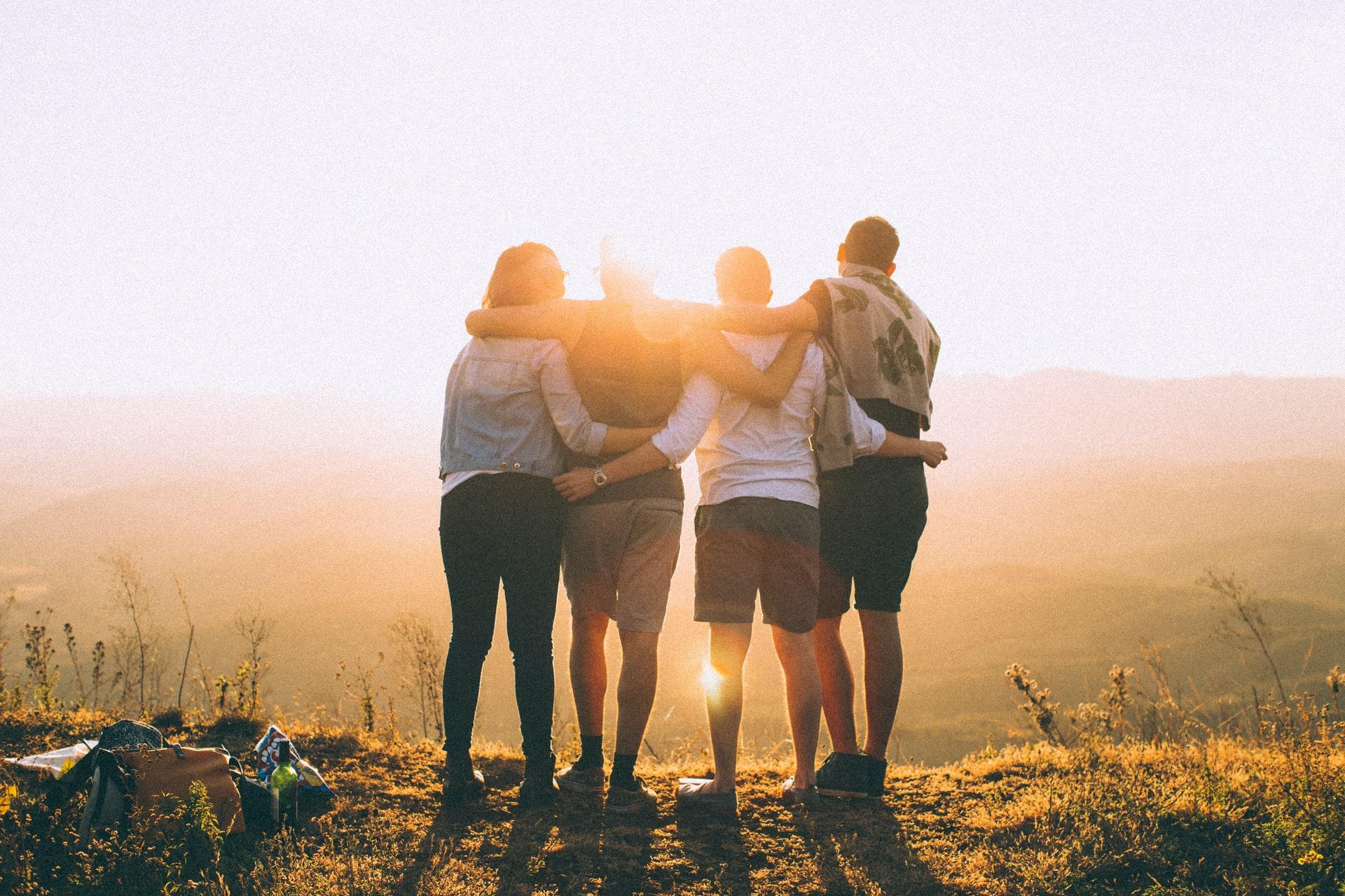 faça amizade com os amigos deles