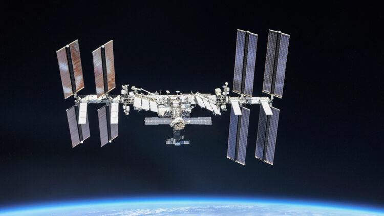 lixo espacial quase atingiu a ISS