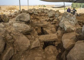 Uma escavação de um forte próximo ao local onde encontraram o casal.(Yaniv Berman / Israel Antiquities Authority).