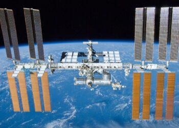 (NASA/Crew of STS-132).