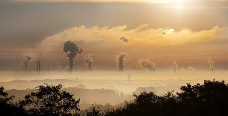 O aquecimento global está atingndo níveis preocupantes nos últimos anos. Contudo, ainda há tempo para mudança. (Imagem de Foto-Rabe por Pixabay)