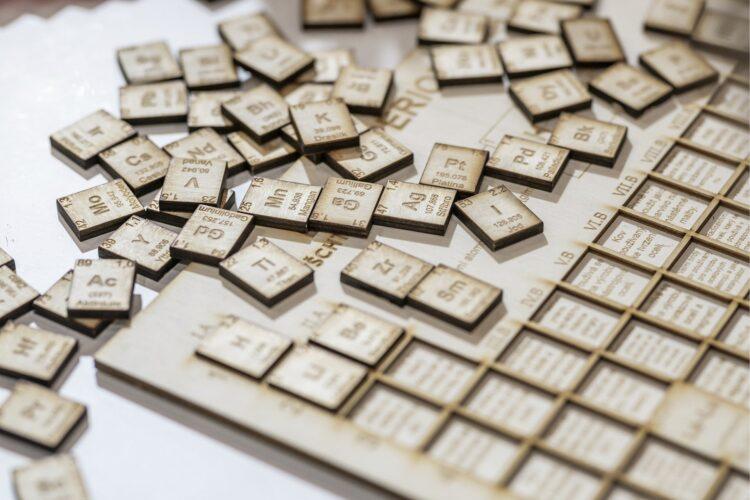 Cientistas russos acabam de propor uma nova forma de organizar a tabela periódica. (Imagem de vubp por Pixabay)