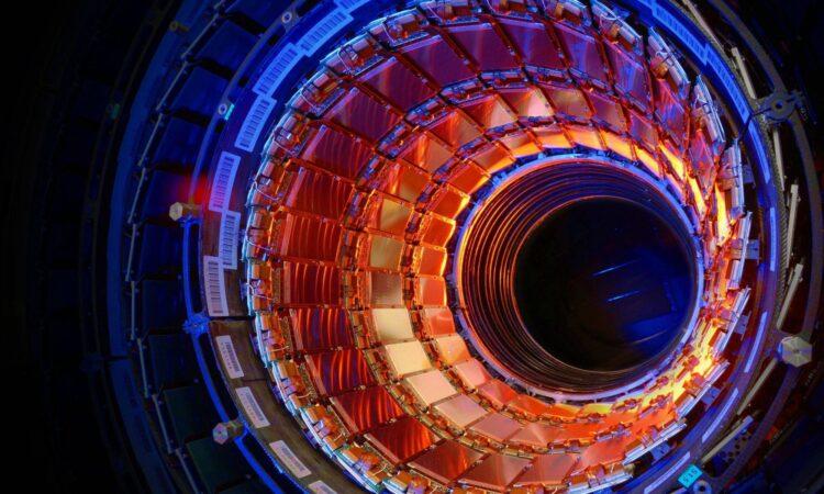 (CERN).