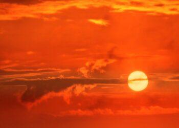 Qual é a cor do sol?