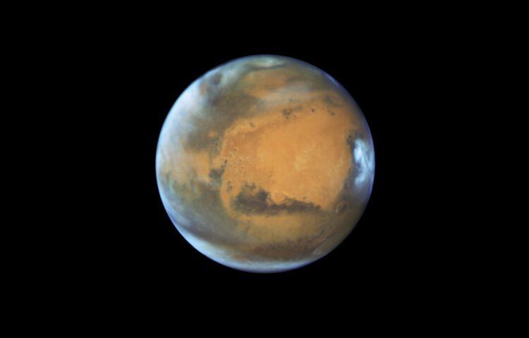 (NASA/ESA/Hubble Heritage Team - STScI/AURA, J. Bell - ASU, M. Wolff - Space Science Institute via AP).