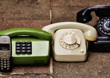 Geração de telefones. (Pixabay)