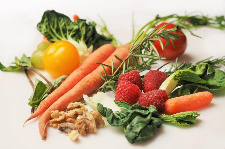 Descubra o que acontece com o corpo humano durante a falta de alimento. (Imagem de Devon Breen por Pixabay )