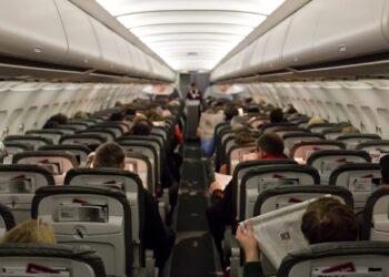 Assentos em avião comercial. Imagem: Frank Duenzl/Picture-Alliance/AFP