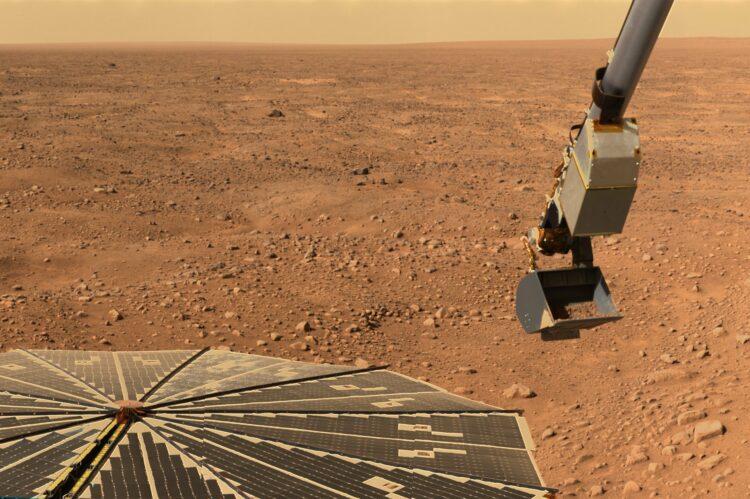 A sonda Curiosity acaba de encontrar possíveis resquícios orgânicos em Marte. Imagem: WikiImages/Pixabay